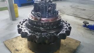 Гидромотор хода для экскаватора KOMATSU PC400-7