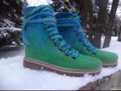 Woolen boots with merino leggings